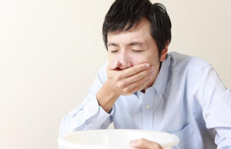 أطباء يؤكد أن استعمال الهواتف الذكي يسبب الغثيان