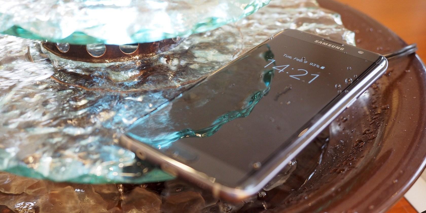 اختبار مقاومة الماء على هاتف جلاكسي اس Galaxy S7