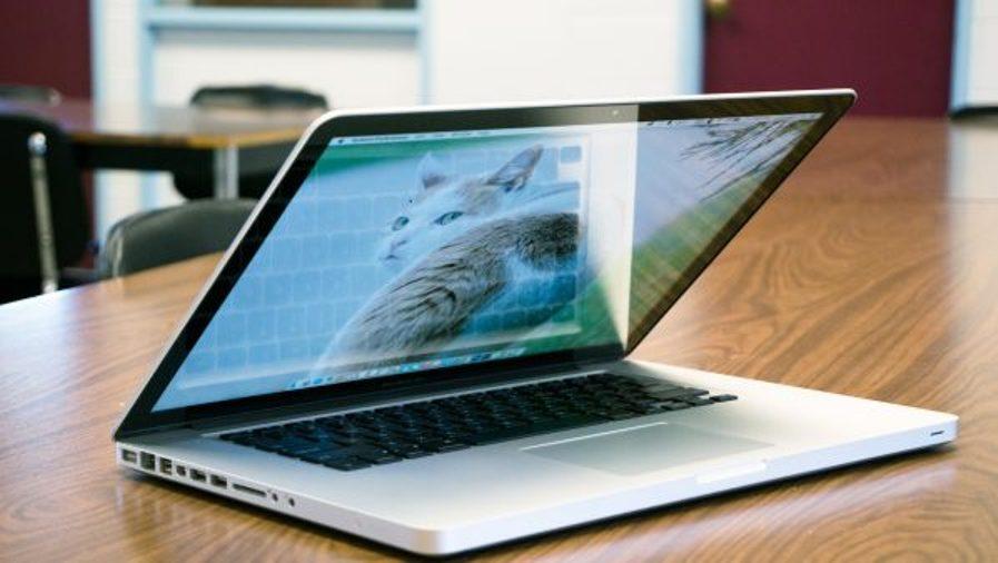 تسجيل أسوأ انخفاض لمبيعات حواسب آبل Apple