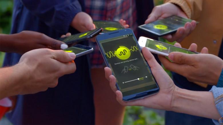 تطبيق لاستخدام الهواتف كمكبرات صوت