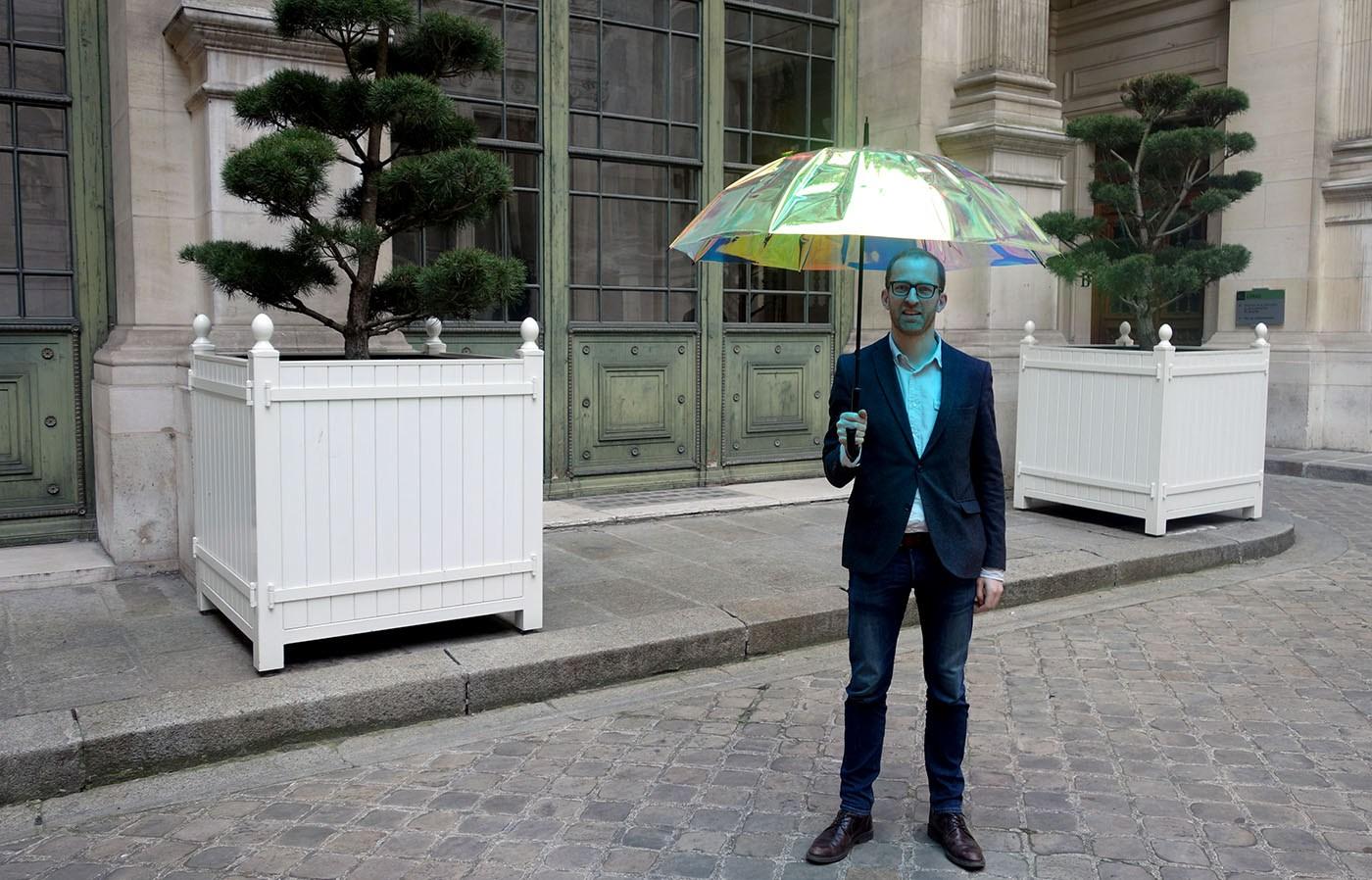 تعرف على الخصائص الرائعة للمظلة الذكية Oombrella