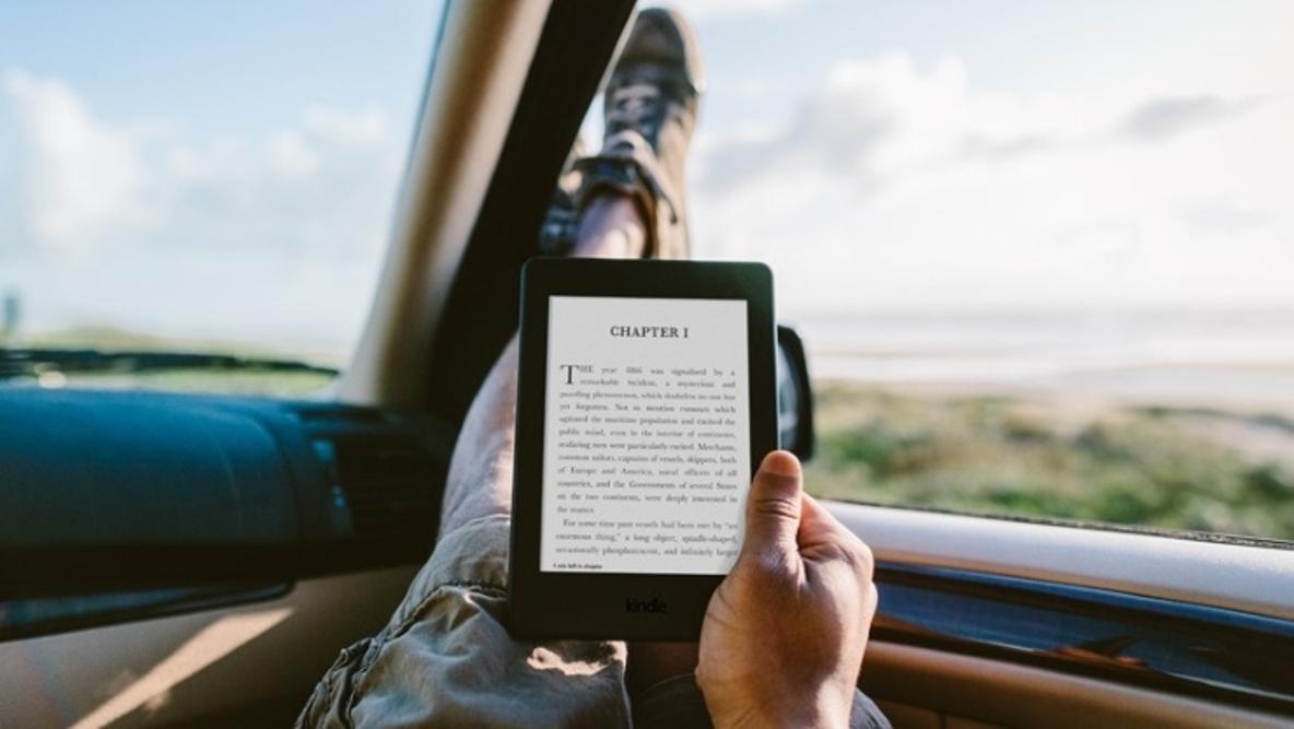 تعرف على القارئ الالكتروني الجديد من أمازون ebook Kindle Oasis