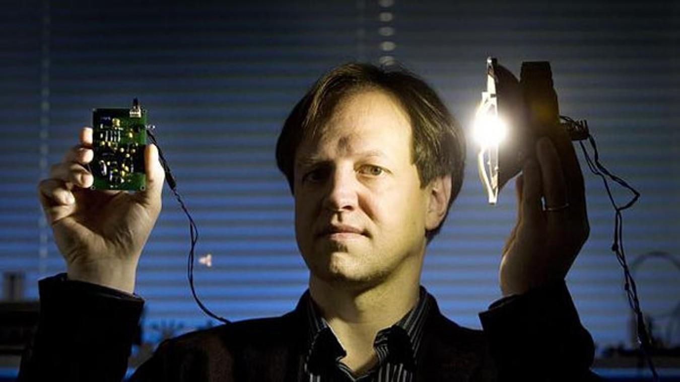 تقنية لي في Li-Fi الجديدة تتفوق على الوي في Wi-Fi بـ 100 مرة