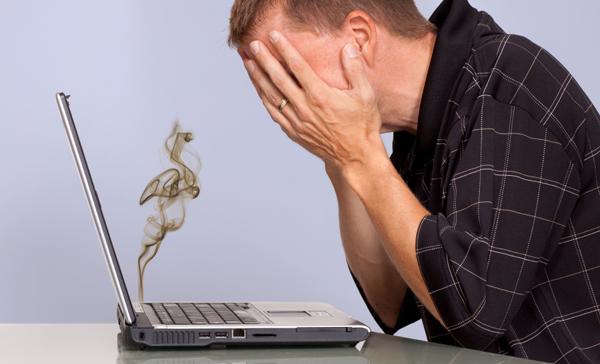 خمس اخطار على حاسوبك المحمول ، يببغي تجنبها !