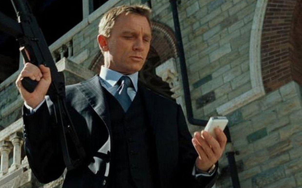 """سبب رفض """"جيمس بوند سبكتر James Bond Spectre 007"""" استخدام هاتف سوني Sony"""
