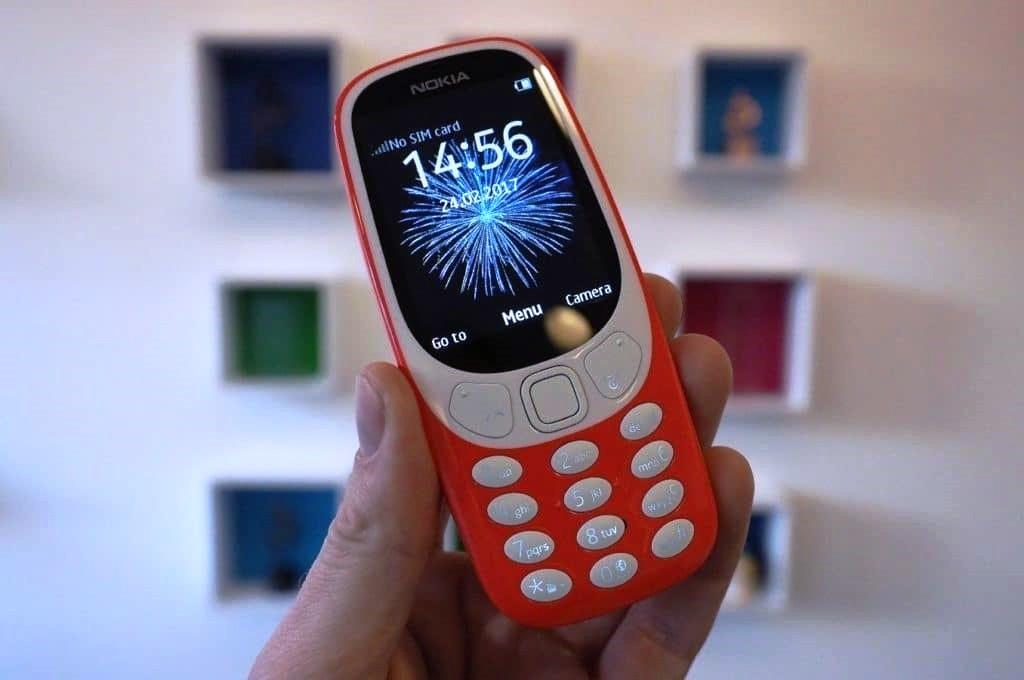 شاهد مدى مقاومة هاتف Nokia 3310 للصدمات