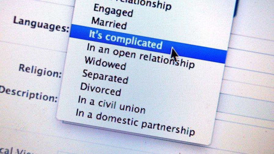 فيس بوك Facebook تختبر أداة لمساعدة الأزواج بعد الطلاق