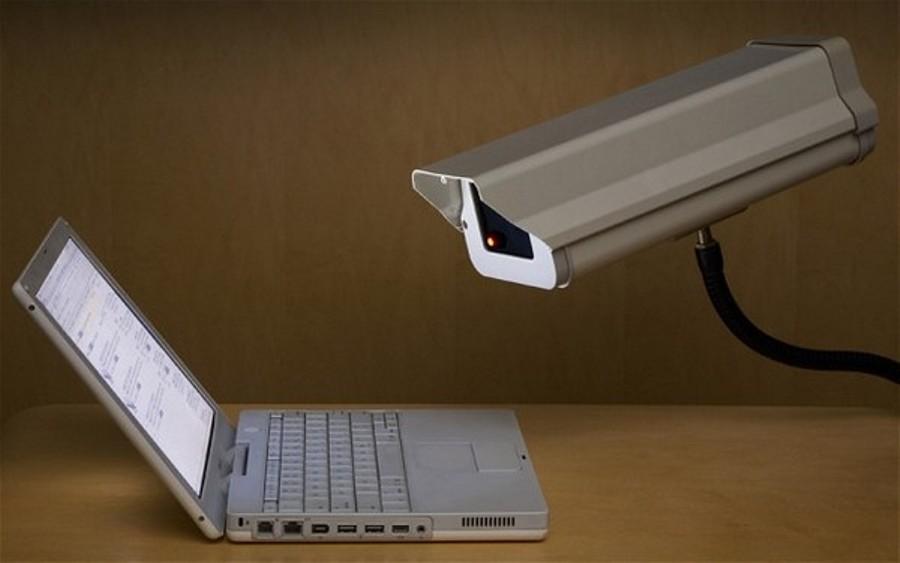 هكذا يمكنك مراقبة كمبيوتر شخص آخر بدون علمه