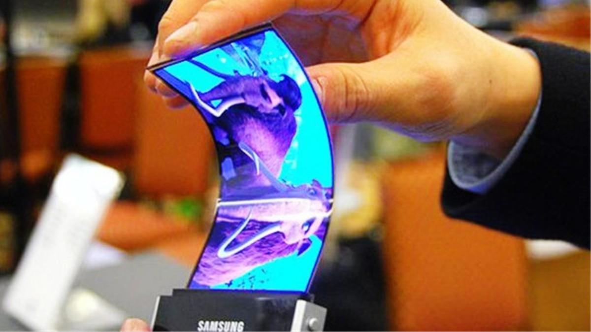 هواتف قابلة للطي قادمة من سامسنج Samsung