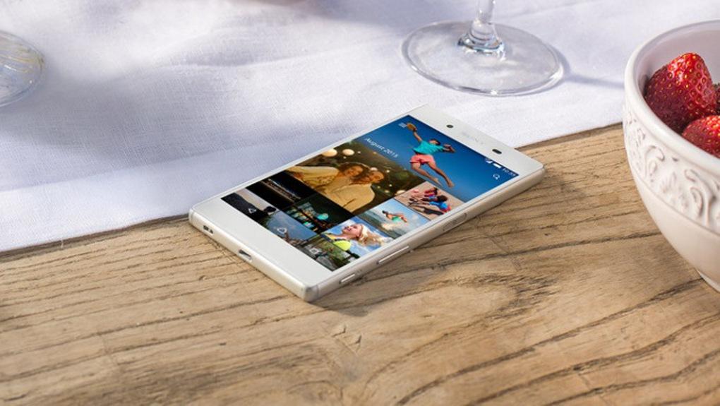 سوني Sony تطلق أول هاتف في العالم بشاشة 4k